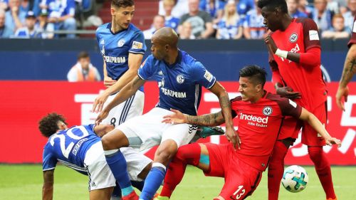Eintracht Frankfurt compra a Carlos Salcedo y lo firma hasta 2022