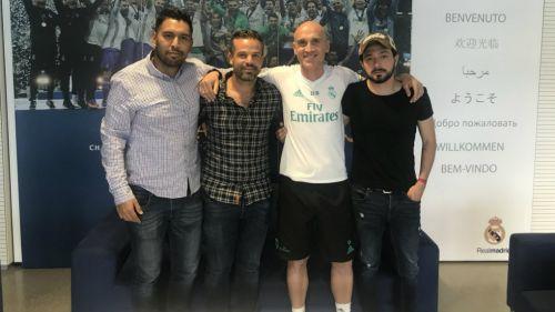 Rafael Puente del Río, junto al auxiliar de Zidane en el Bernabéu