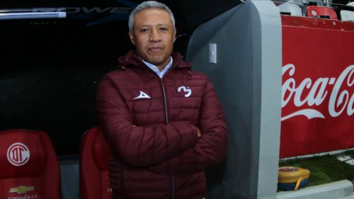 Hernández observa partido de Cuartos de Final frente a Toluca