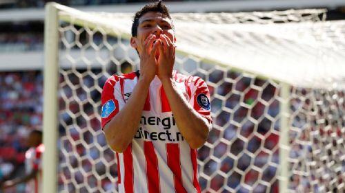 Hirving Lozano, en la mira del Valencia para reforzar su delantera
