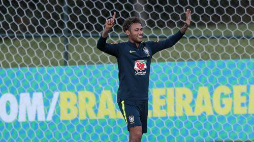 Neymar en el entrenamiento de Brasil
