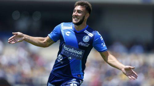 Lucas Cavallini festeja gol con La Franja