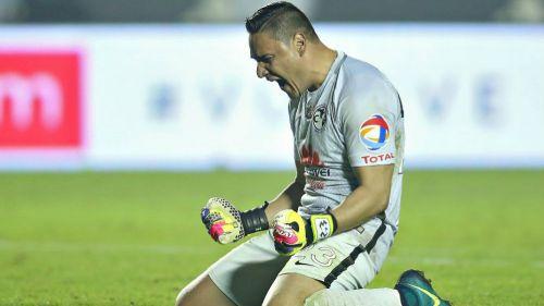 Muñoz celebra campeonato del América
