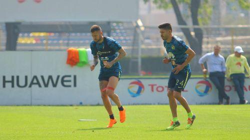 Ménez y Peralta, durante un entrenamiento de América
