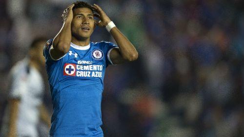 Joao Rojas lamenta jugada en su paso con Cruz Azul