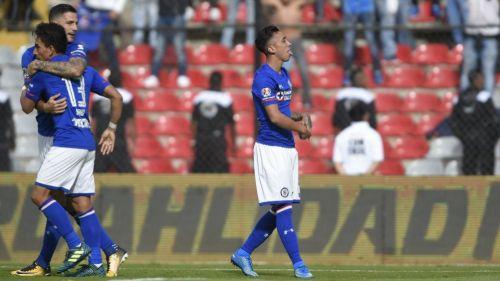 Los chilenos que encabezan la lista de transferibles de Cruz Azul