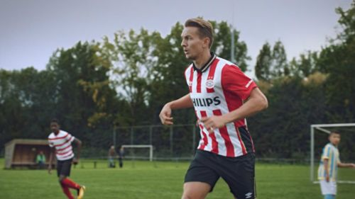 De Jong en un entrenamiento del PSV