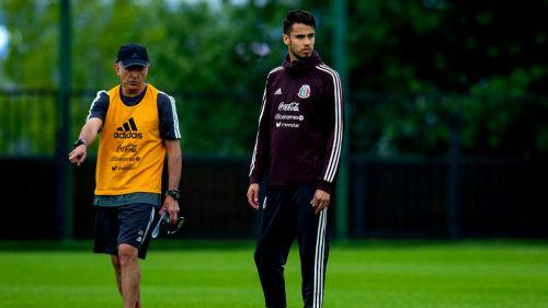 Diego Reyes, durante un entrenamiento con el Tri