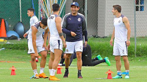 Cardozo, durante su primer entrenamiento con Chivas