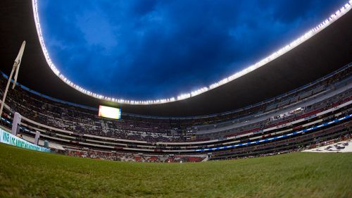 Estadio Azteca, visto desde el terreno de juego