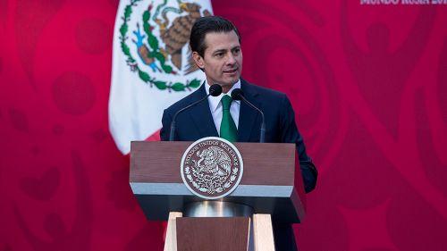 Peña Nieto en discurso de abanderamiento del Tri
