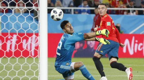 Momento en el que Iago Aspas marca su gol contra Marruecos