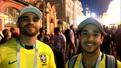 Aficionados brasileños hablan sobre el duelo contra México