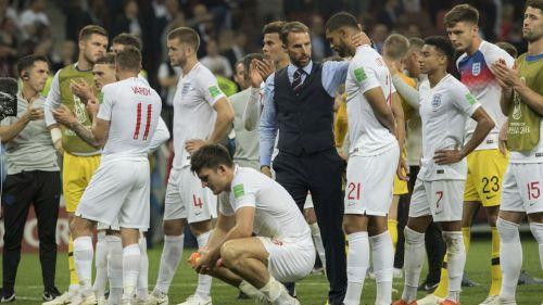 Jugadores ingleses, tras la derrota en Semifinales