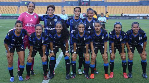Jugadoras de Gallos previo a enfrentar a Tigres Femenil