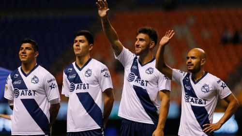 Jugadores de Puebla previo a un duelo en el A2018