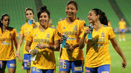 Tigres festeja triunfo contra Santos en la J4 del A2018