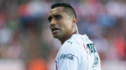 Edwin Hernández durante partido de Chivas