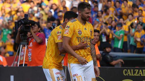 Gignac festeja un gol con Tigres