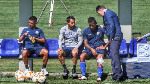 Andrés RenterÍa lesionado durante el entrenamiento del Cruz Azul