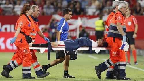 La española: escalofriante lesión de Sergio Escudero en el Sevilla vs. Villarreal