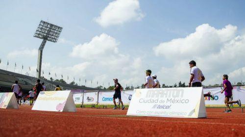 Corredores durante el Maratón de la CDMX