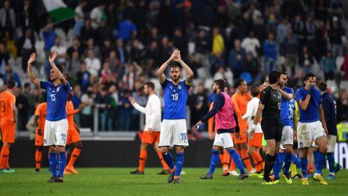 Jugadores de Italia, después de un encuentro ante Holanda