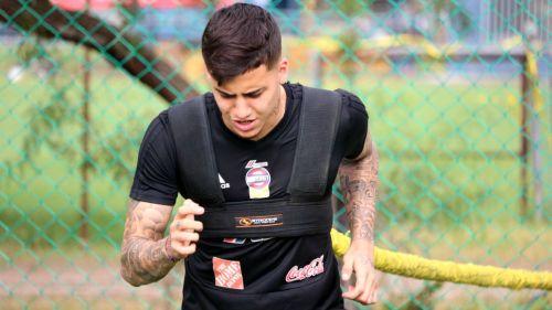 Así fue presentado como nuevo jugador de Tigres — Beto Da Silva