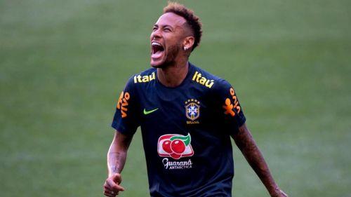 Neymar disfruta de un entrenamiento con la selección brasileña