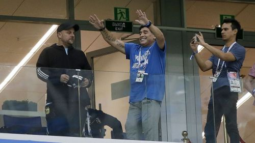 Diego Maradona en la tribuna durante un partido de Argentina