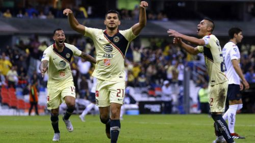 Henry Martín celebra un gol ante Pumas
