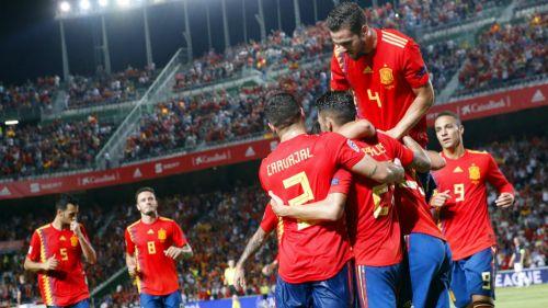 España celebra una anotación frente a Croacia