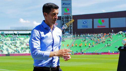 Gustavo Díaz, en el encuentro de León frente a Santos del A2018