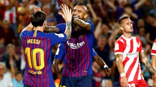 Messi festeja con Vidal su gol contra el Girona