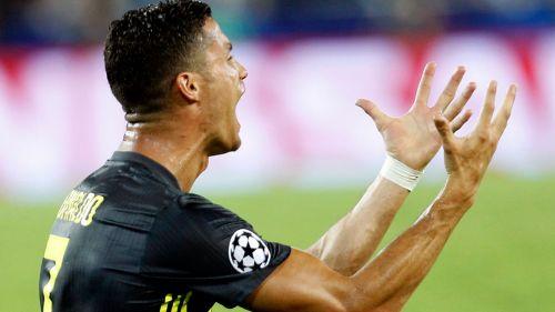Cristiano se lamenta en un partido con la Juventus