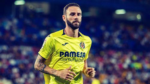 Miguel Layún, en un juego con el Villarreal