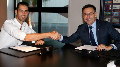 Sergio Busquets extiende su contrato con el Barcelona
