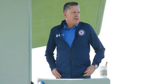 Ricardo Peláez en un entrenamiento de Cruz Azul