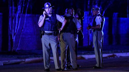 Al menos un policía muerto tras tiroteo en Carolina del Sur