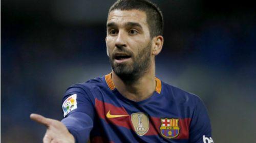 Arda Turan durante un partido con el Barcelona