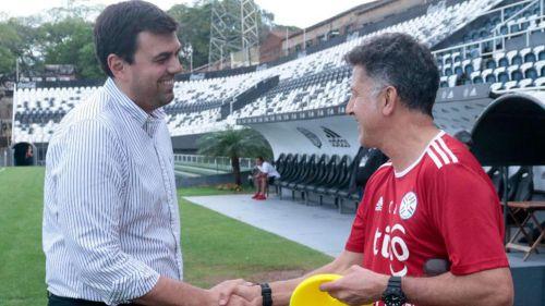 Juan Carlos Osorio en su primer entrenamiento con Paraguay