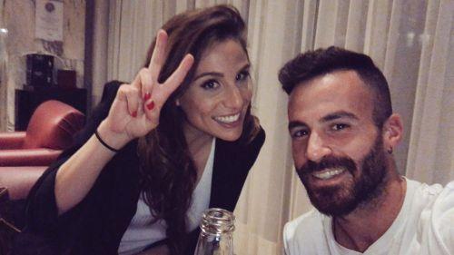 Marc Crosas junto a Lucía Villalón, su compañera en Univisión