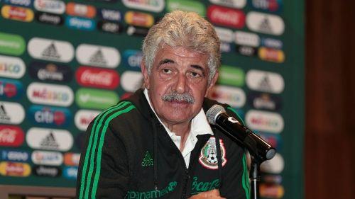Tuca Ferreti durante conferencia de prensa
