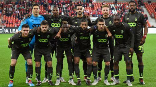 Ochoa y sus compañeros previo a duelo en la Jupiler Pro League