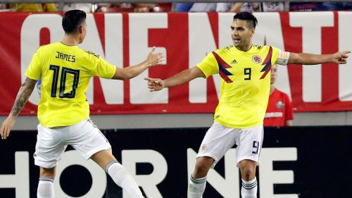 James Rodríguez y Falcao celebran uno de los goles