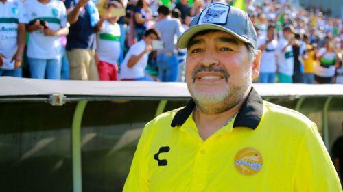 Maradona durante un partido de Dorados