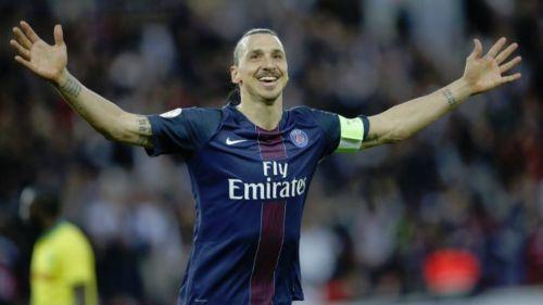 Zlatan, festeja anotación frente el PSG
