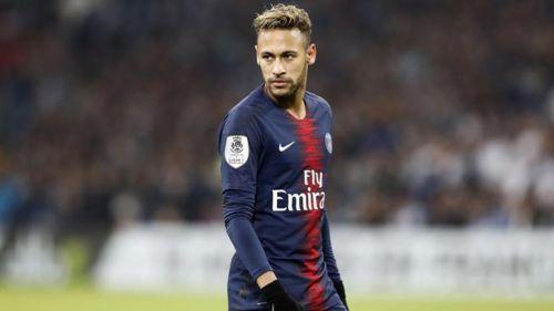 Neymar en en un partido con el PSG