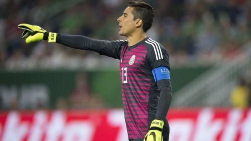 Ochoa, durante el duelo amistoso contra Uruguay