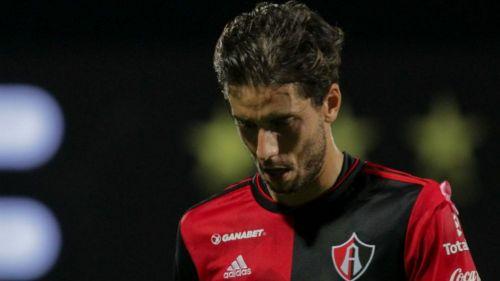 Ricardo Álvarez se lamenta durante partido de Atlas